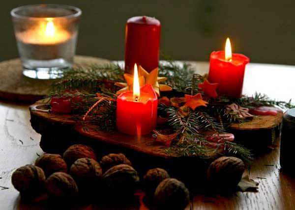 Свічки на новорічному столі