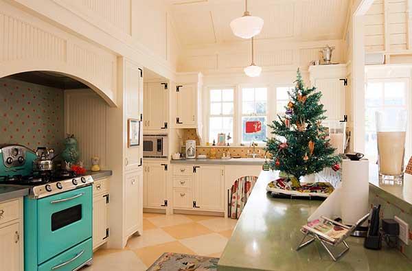 Новорічна ялинка на кухні