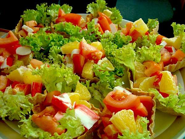 Новорічний салат зі свіжими овочами